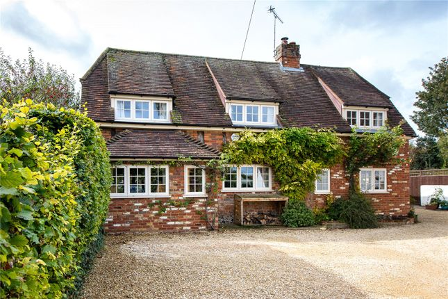 Thumbnail Cottage for sale in High Street, Chinnor, Oxon