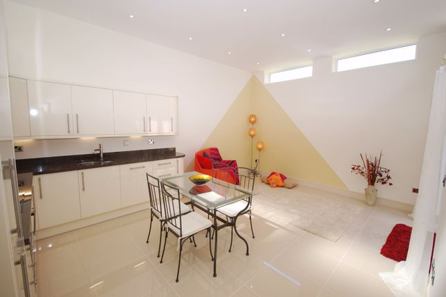 Thumbnail Detached bungalow to rent in Ambleside, Bromley