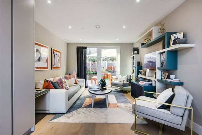 Thumbnail Terraced house for sale in Central Avenue, Fulham Riverside, London
