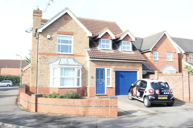 Thumbnail Semi-detached house to rent in Nine Acres, Slough, Berkshire