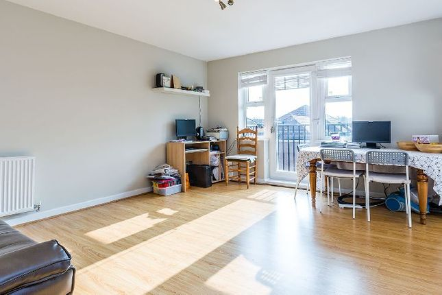 Thumbnail Flat to rent in Coppetts Road, London