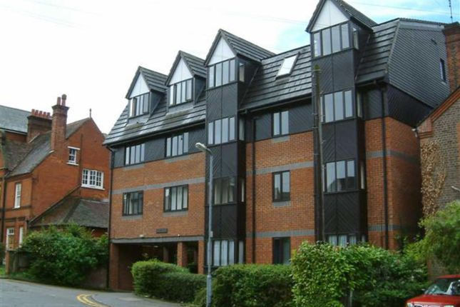 Thumbnail Flat to rent in Alex Court, Alexandra Road, Hemel Hempstead