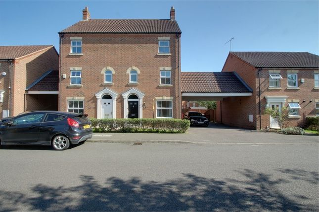 Thumbnail Town house to rent in Parsons Road, Langley, Berkshire