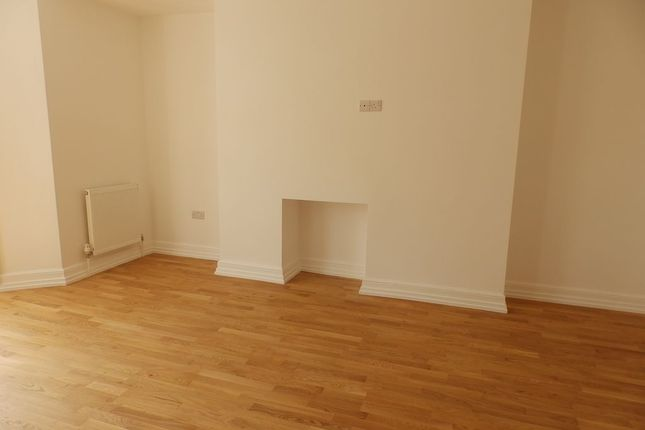 Thumbnail Flat to rent in Brunswick Place, Hove, East Sussex