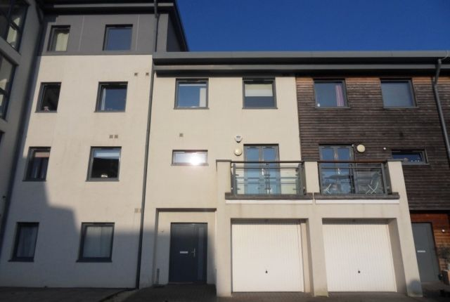 Thumbnail Town house to rent in St Catherines Court, Marina, Swansea