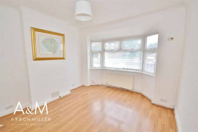 3 bed maisonette for sale in Claybury Road, Woodford Green IG8