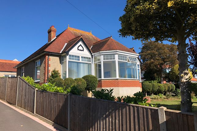 Thumbnail Detached bungalow to rent in Sea View Road, Drayton, Portsmouth