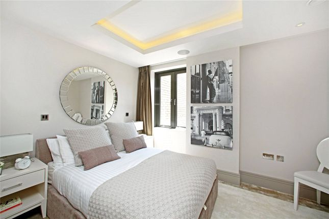 Bedroom of Cecil Grove, St Johns Wood NW8