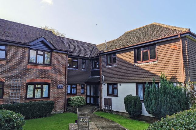 Thumbnail Flat to rent in Pinewood Court, Haywards Heath