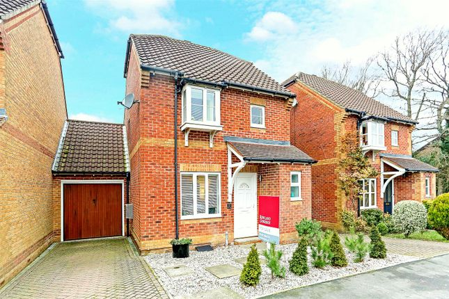 Thumbnail Detached house for sale in Elm Way, Heathfield