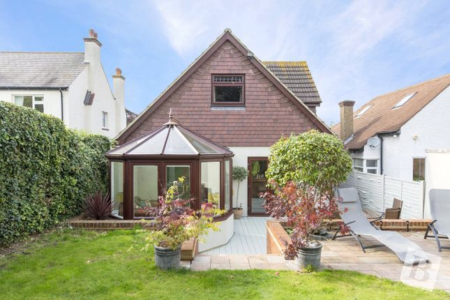 Thumbnail Detached bungalow for sale in Wrotham Road, Gravesend, Kent
