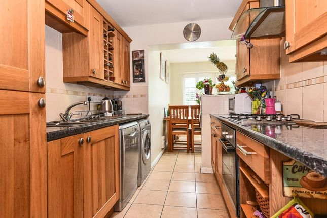 Thumbnail Terraced house to rent in Guards Club Road, Maidenhead
