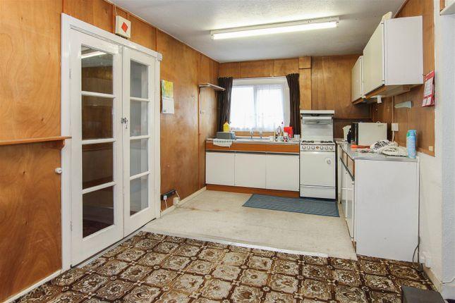 Img_5670-3 of Peartree Lane, Doddinghurst, Brentwood CM15