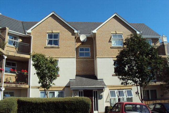 Thumbnail Flat to rent in Wallace Road, Colchester