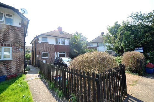 Main Picture of Elmcroft Close, Feltham TW14