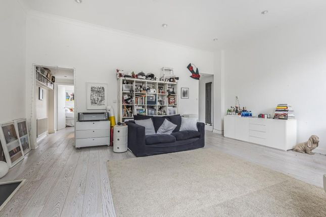 Thumbnail Flat for sale in Notting Hill, London