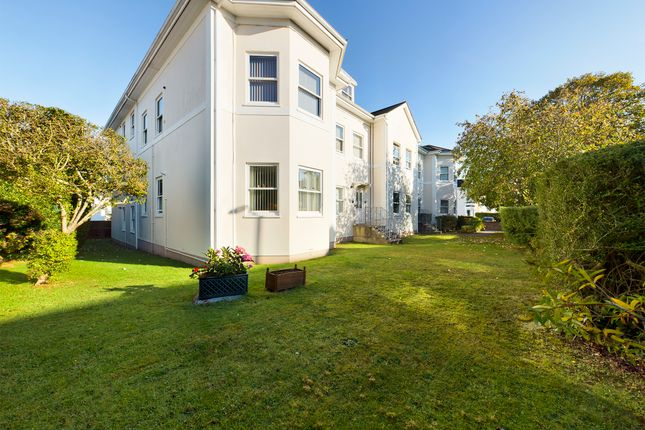 Thumbnail Flat to rent in Grosvenor Road, Paignton