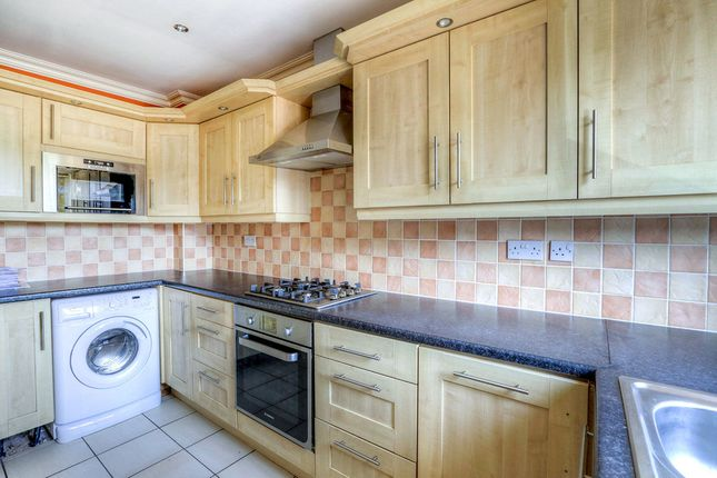 Thumbnail Flat for sale in Green Lane, Hadfield, Glossop