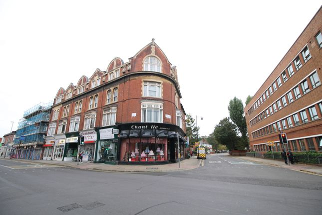 Thumbnail Flat to rent in Grove Road South, Southsea