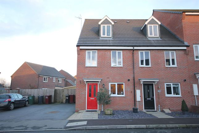 Thumbnail Town house for sale in Hetton Drive, Clay Cross, Chesterfield