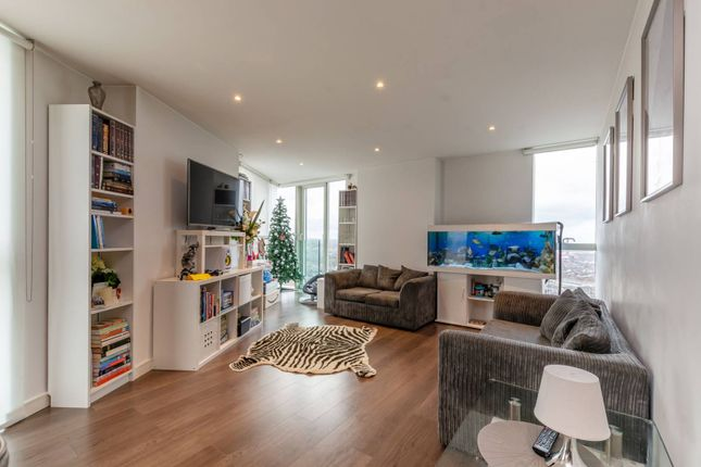 Thumbnail Flat to rent in Saffron Tower, Croydon