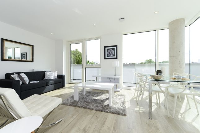 Thumbnail Flat to rent in Woods Road, Peckham, London