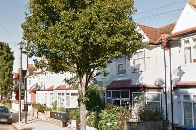 Thumbnail Property for sale in Princes Avenue, London