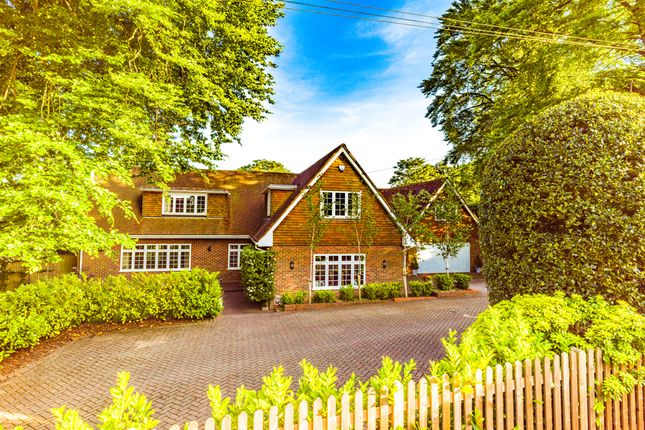 Thumbnail Detached house for sale in Toad Hall, Pangbourne On Thames