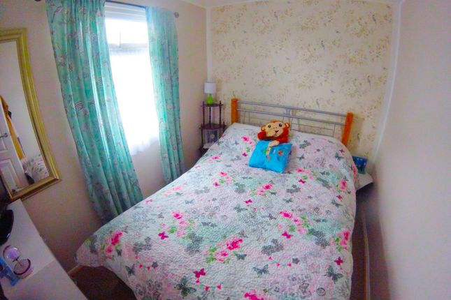 Bed 1 of 81 Third Avenue, South Shore Holiday Village, Bridlington YO15