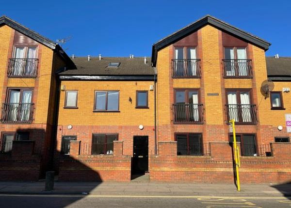 Thumbnail Town house for sale in 3 Mostyn Hall, Gainsborough Road, Liverpool