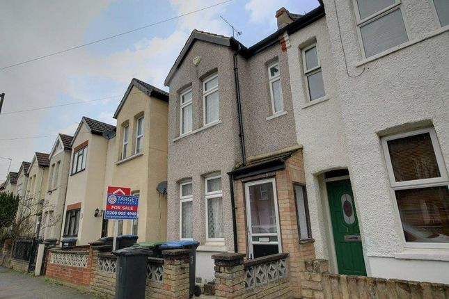 Thumbnail Terraced house for sale in Bath Road, London