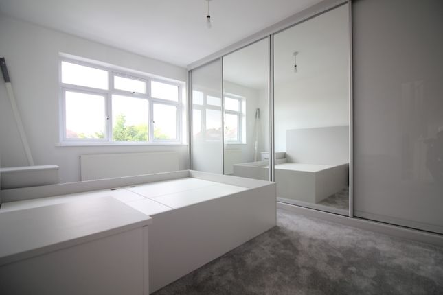 Thumbnail Semi-detached house to rent in Frogmore Avenue, Hayes