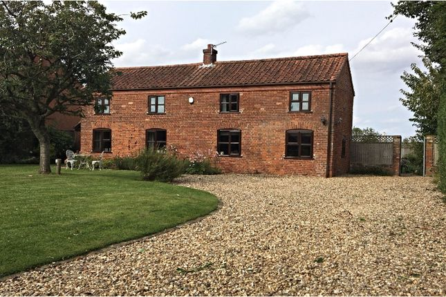 Thumbnail Detached house for sale in The Green, Runhall, Norwich
