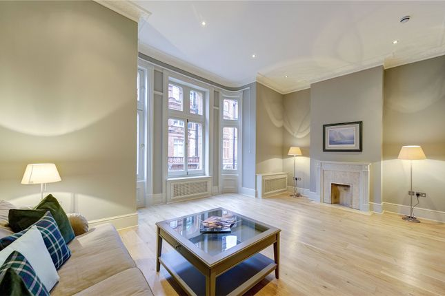 3 bed flat for sale in Draycott Place, Chelsea, London