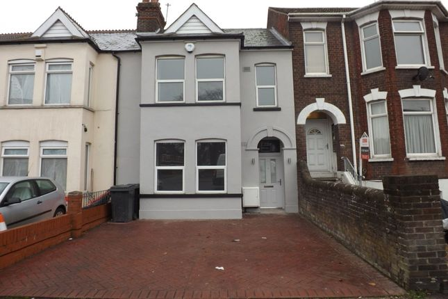 Thumbnail Terraced house to rent in High Street North, Dunstable