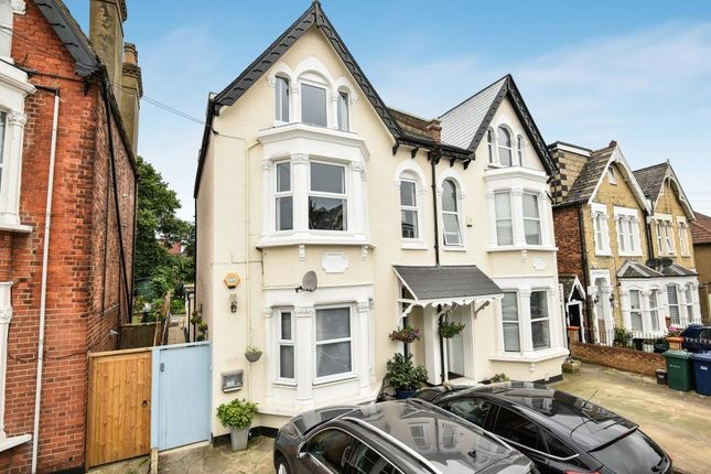 Thumbnail Flat for sale in Beaconsfield Road, London N11,
