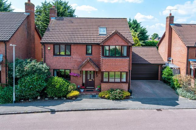 Thumbnail Detached house for sale in Woodward Close, Winnersh, Berkshire