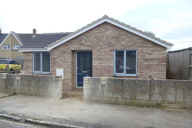 Thumbnail Bungalow to rent in Sealham Road, Ducklington, Witney