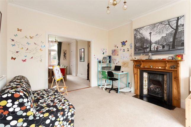 Picture No. 07 of Amenbury Lane, Harpenden, Hertfordshire AL5
