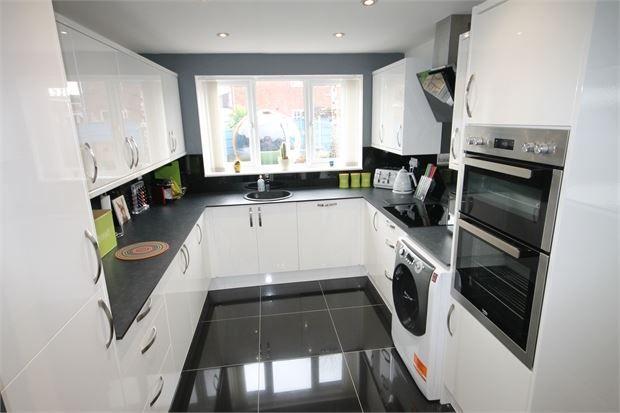 Picture 2 of Milton Street, Balderton, Newark, Nottinghamshire. NG24