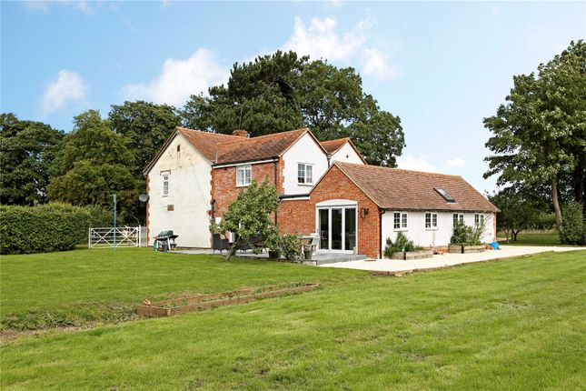 Thumbnail Detached house for sale in Hithercroft, Wallingford, Oxfordshire