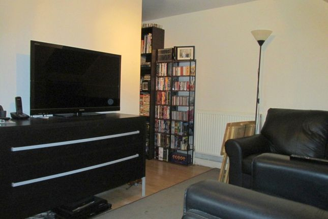 1 bed flat to rent in Hoxton Street, London N1