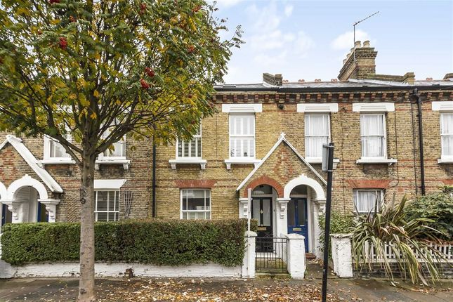 3 bed property to rent in Morrison Street, London