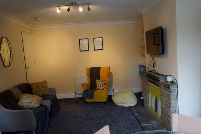 Thumbnail Terraced house to rent in Hessle Road, Leeds