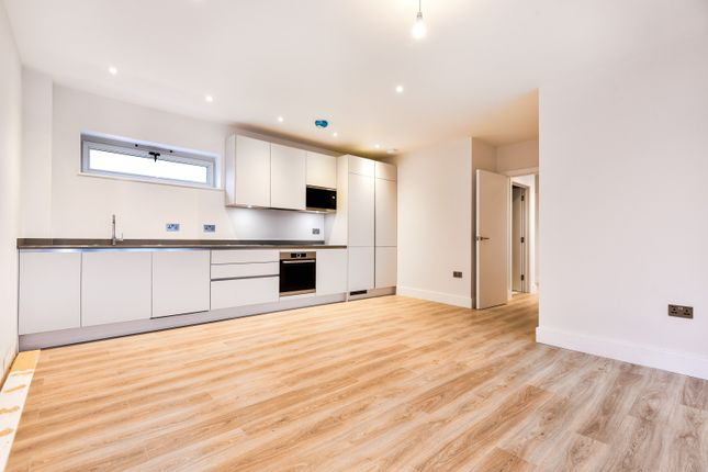 Thumbnail Property for sale in Park Place, Wimbledon