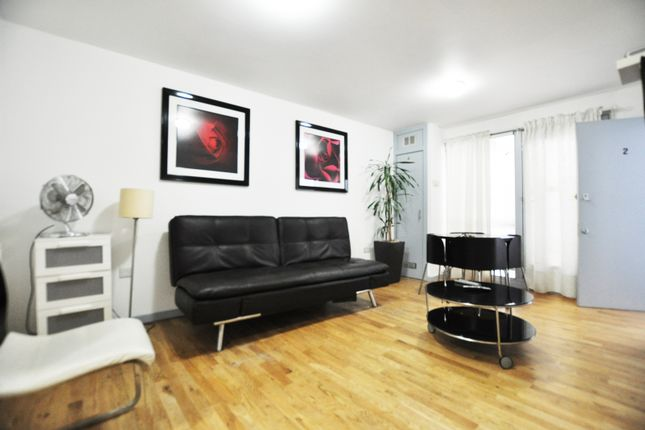 Thumbnail Flat to rent in Voss Street, London
