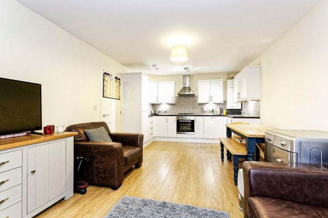 Thumbnail Flat to rent in Windermere Gate, Bracknell