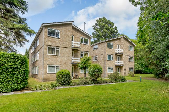 Thumbnail Flat to rent in Coniston Court, Weybridge