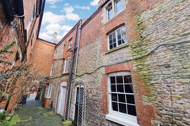Thumbnail Terraced house for sale in Northgate, Sleaford