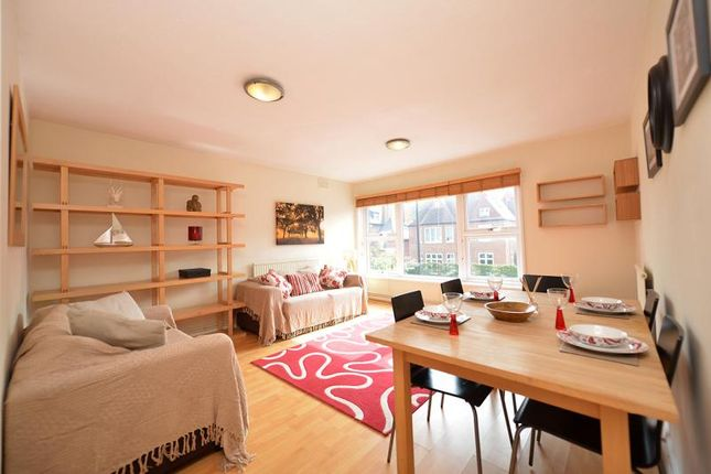 Thumbnail Flat to rent in North Side Wandsworth Common, Battersea